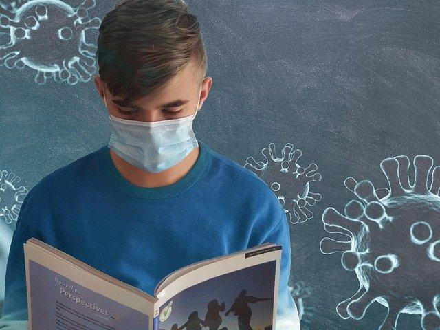 students covid masque