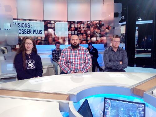 Les étudiants de la HERS sur le plateau de l'émission À votre avis de la RTBF