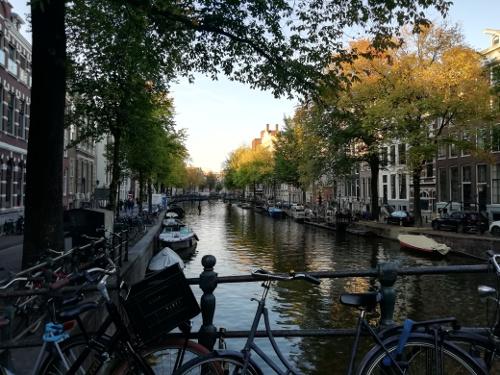 Photo d'un canal à Utrecht