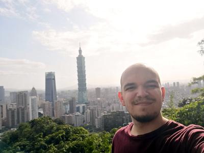 Selfie de Norman aux abords de la ville de Taipei