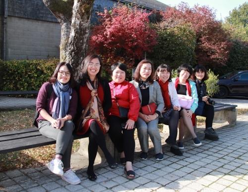 Photo des membres féminins de la délégation du Ministère de la Santé du Vietnam