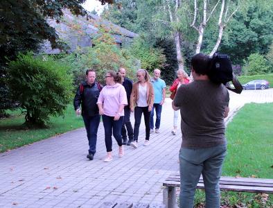 Photo de nos kinés prise lors du reportage de TV LUX sur le campus de Libramont