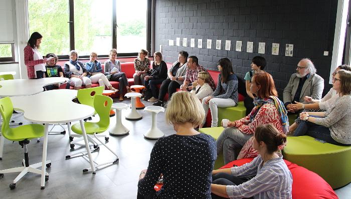 Photo de l'inauguration du Creative School Lab de la HERS